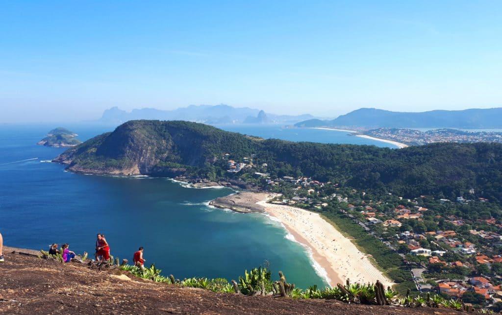 o que fazer em Niterói: costão de Itacoatiara