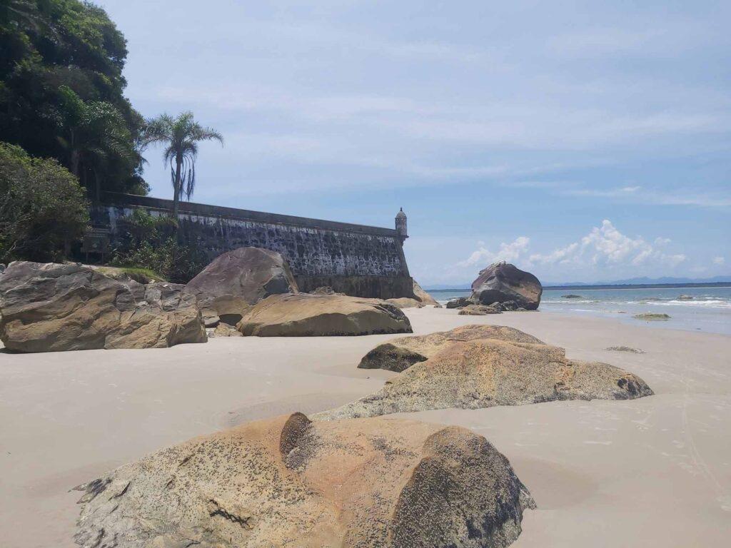 Praia da Fortaleza, na Ilha do Mel